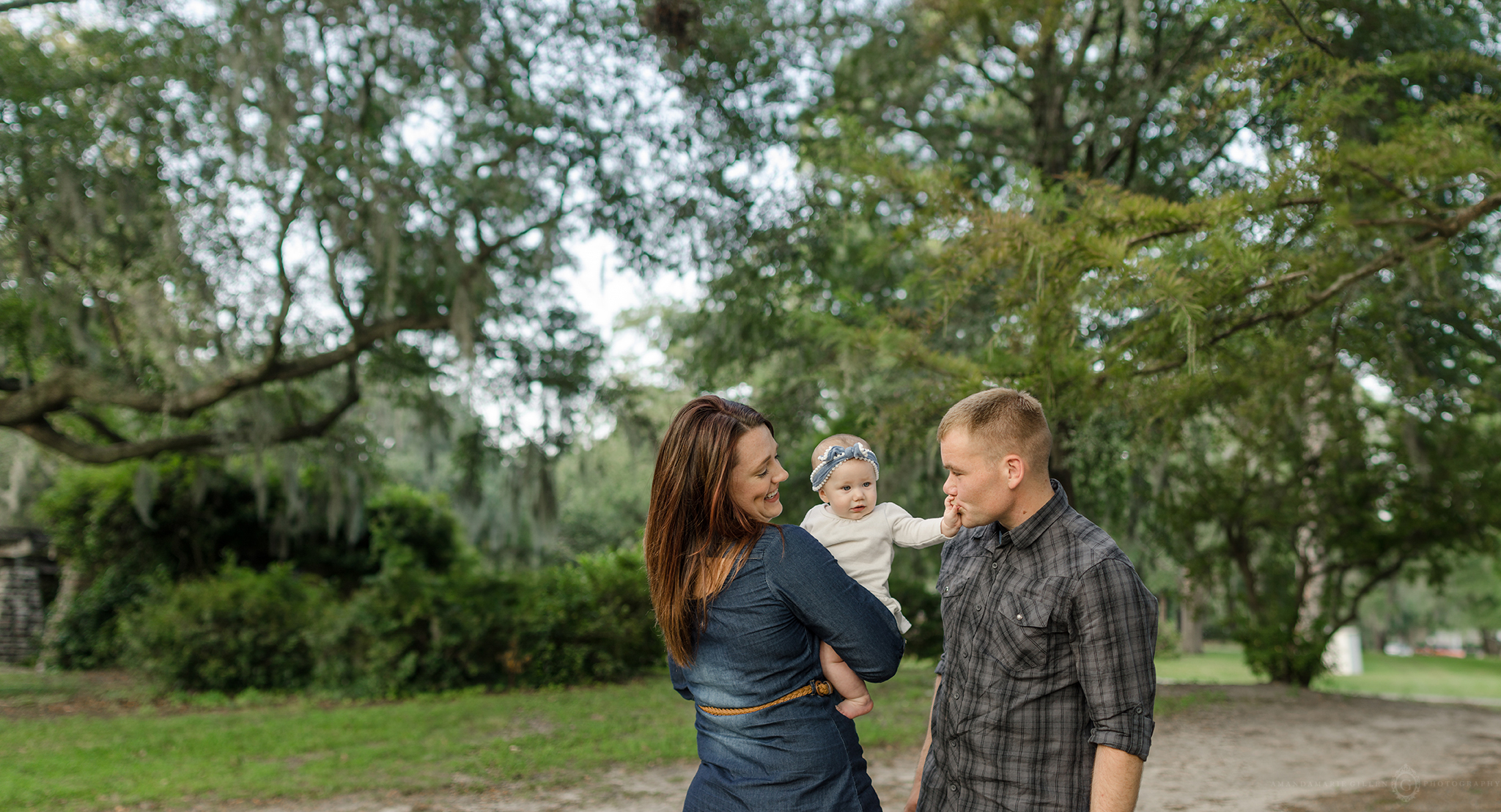 best outfits for family sessions in the park Wilmington, NC