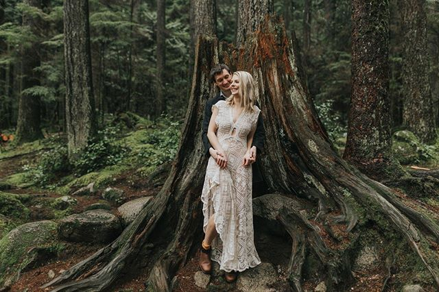 Check out this gorgeous image by @summerraynephoto , who we are honored to have as a featured artist. All of her images are breathtaking! Check out her feature in the magazine and her feed to see more! Also, isn't this one of the most beautiful dresses? It's made with vintage lace by @reclamationdesigncompany ! All of their dresses are stunning, so definitely visit their page! . . . . #nothinaugustmagazine #portraits #featuredphotographs #photographyeducation #couplesgoals #couplesphotography #magazines #wanderlust #wanderer #adventurer #lovers #muchlove_ig #wanderingphotographers #couple #lovers #belovedstories #loveandwildhearts #justalittleloveinspo #adventurephotographer #dirtybootsandmessyhair #radlovestories