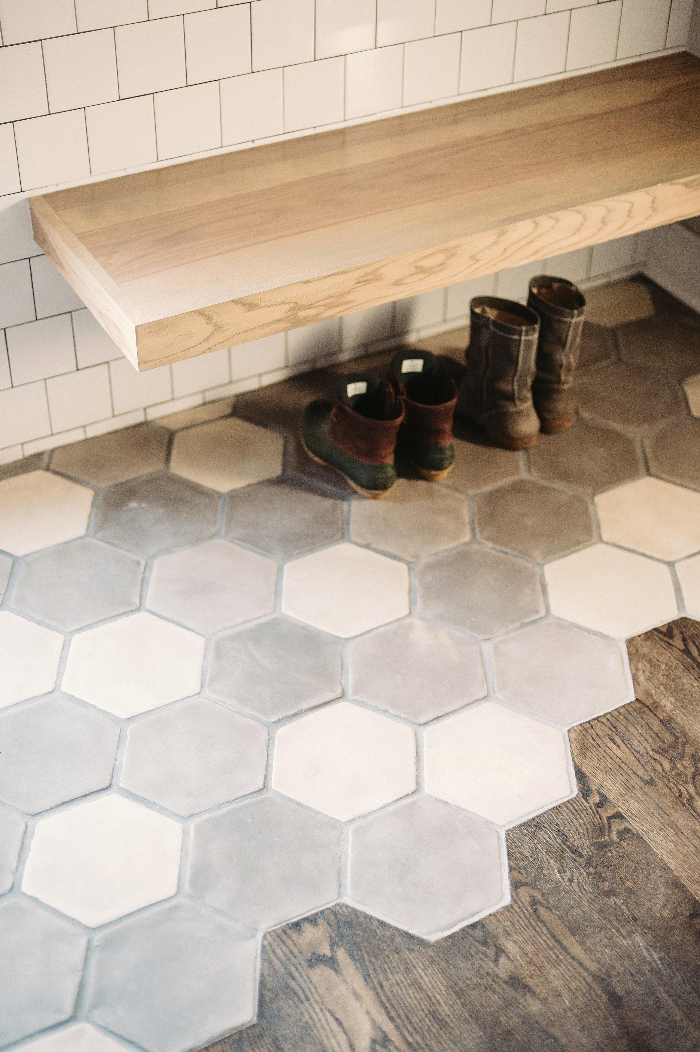AB - Arto - Artillo Hexagon Tres Grises - Flooring.jpg