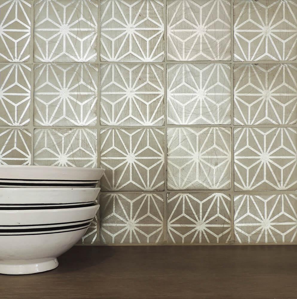 TS- Tabarka Studio - Ru des Rosiers 23 Latte on brushed silver - Metallic tile - handpainted.jpg