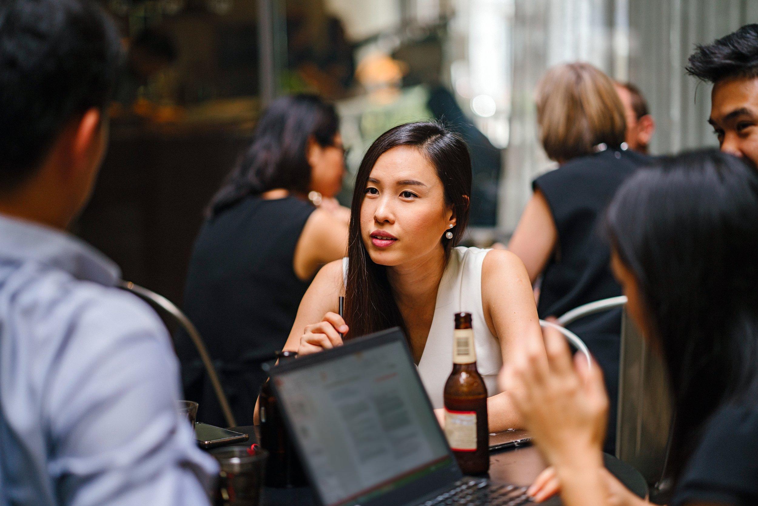 bar-beer-colleagues-1125036.jpg