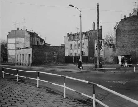 Trist Leipzig street scene in 1985 near Grünau.