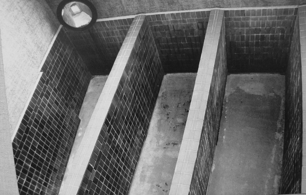 "As a pre-trial Stasi prisoner in the ""outside"" yard you had about the same space available as inside in the cell. Through a mirror the guards watched and commanded to stay quiet."