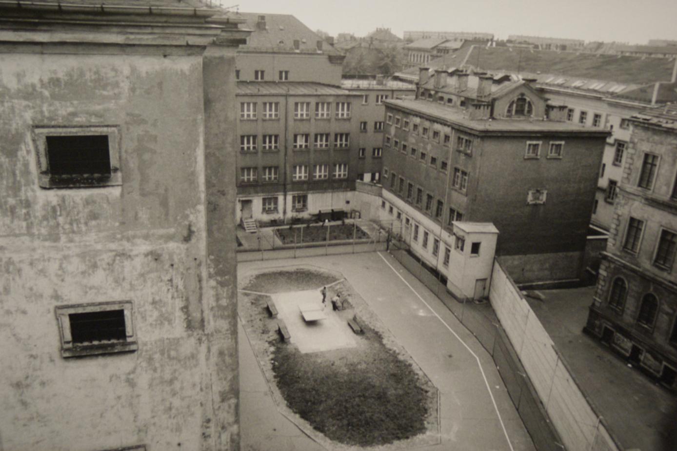 Outside yard for criminal prisoners across the Stasi pre-trial jail in Leipzig Beethovenstrasse 2.