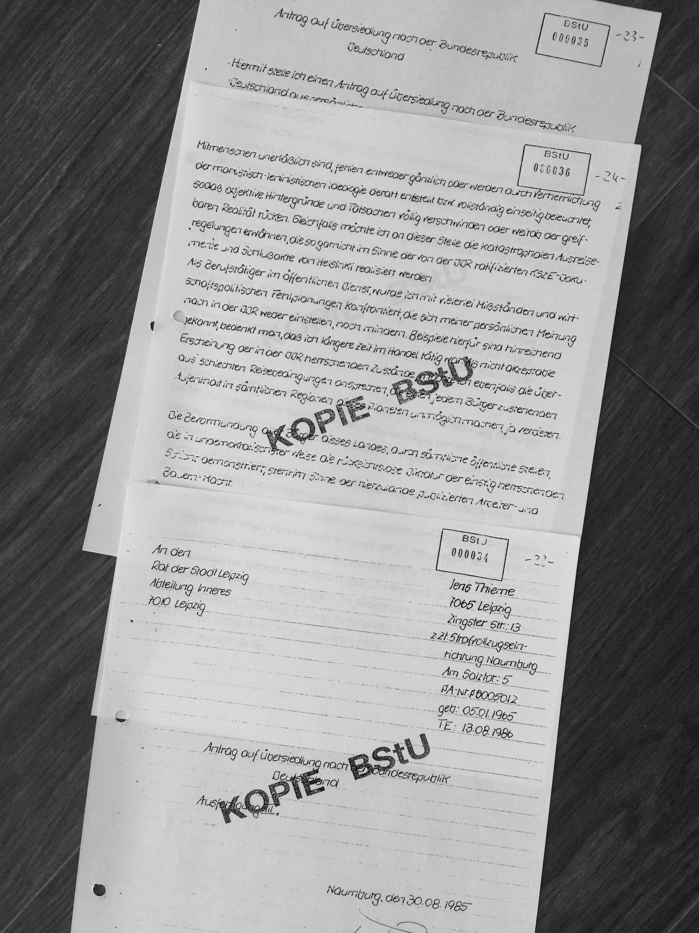 One of three 'emigration applications' which only served one purpose in the GDR: make known that you are unwilling to continue your life in that country. It marked people and set them up for repression and road blocks and for surveillance by the Stasi. Officially those applications should not have been necessary as the GDR ratified all international treaties to guarantee freedom and liberty. Of course everyone knew that this was ignored and violated by the regime.