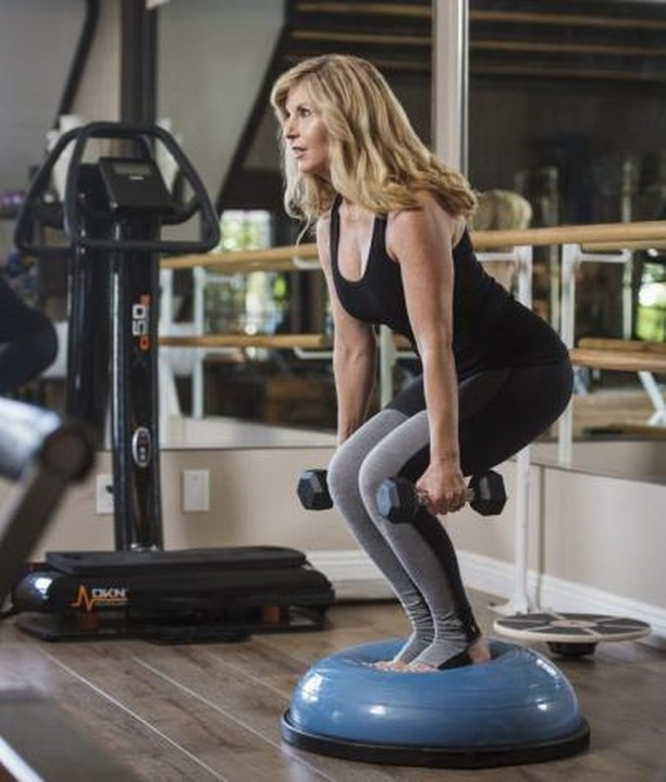 In addition to our reformers, we use all sorts of other equipment like bosus, weights, bands, rings, and more for dynamic work outs that challenge and transform the body. Do you have a favorite piece of equipment to exercise with?⠀ .⠀ .⠀ .⠀ .⠀ .⠀ .⠀ #pilates #pilatesonpurpose #health #wellness #exercise #fitness #workout #sweat #training #orangecounty