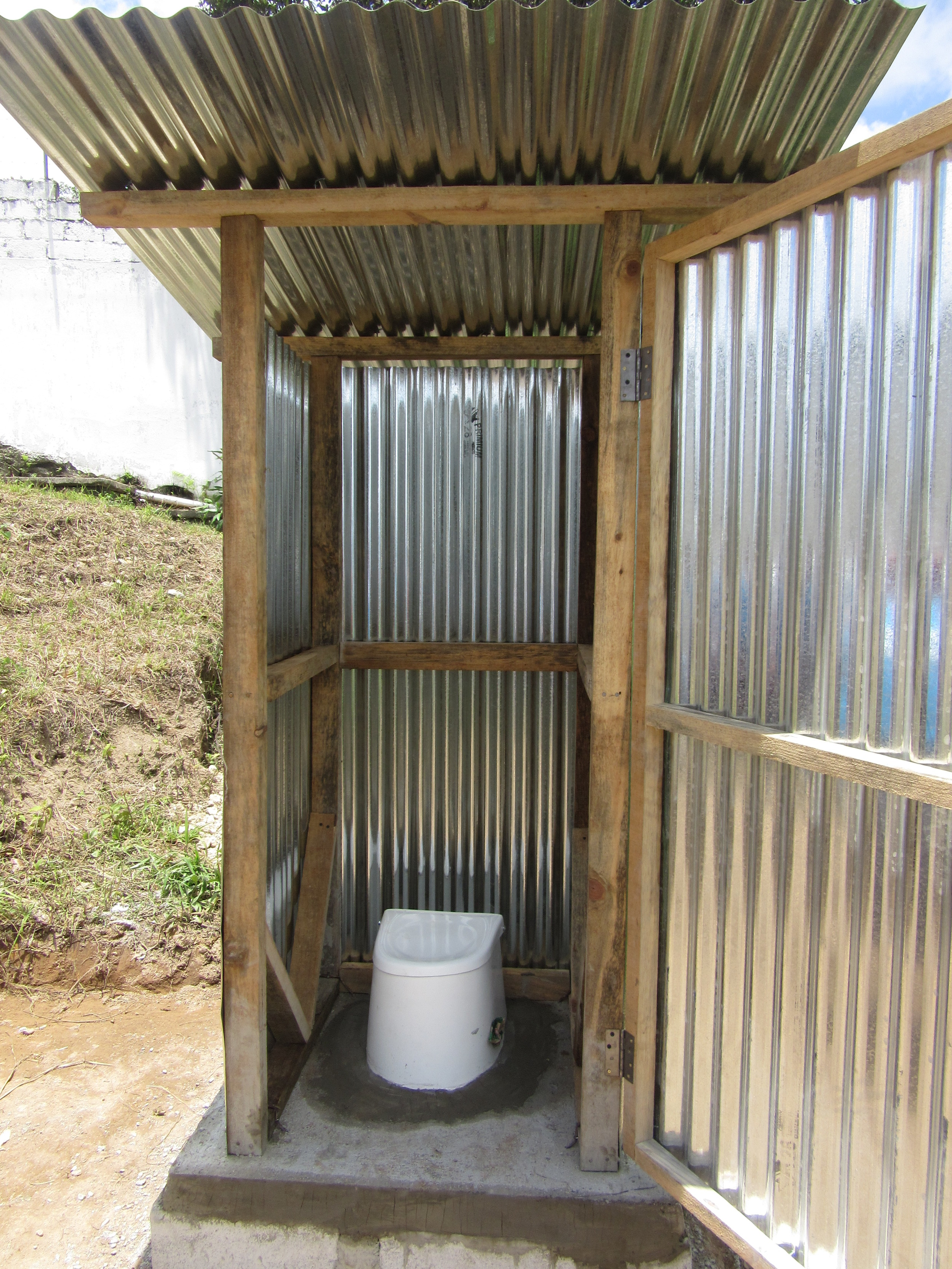 approved pilot latrine, july 2015.