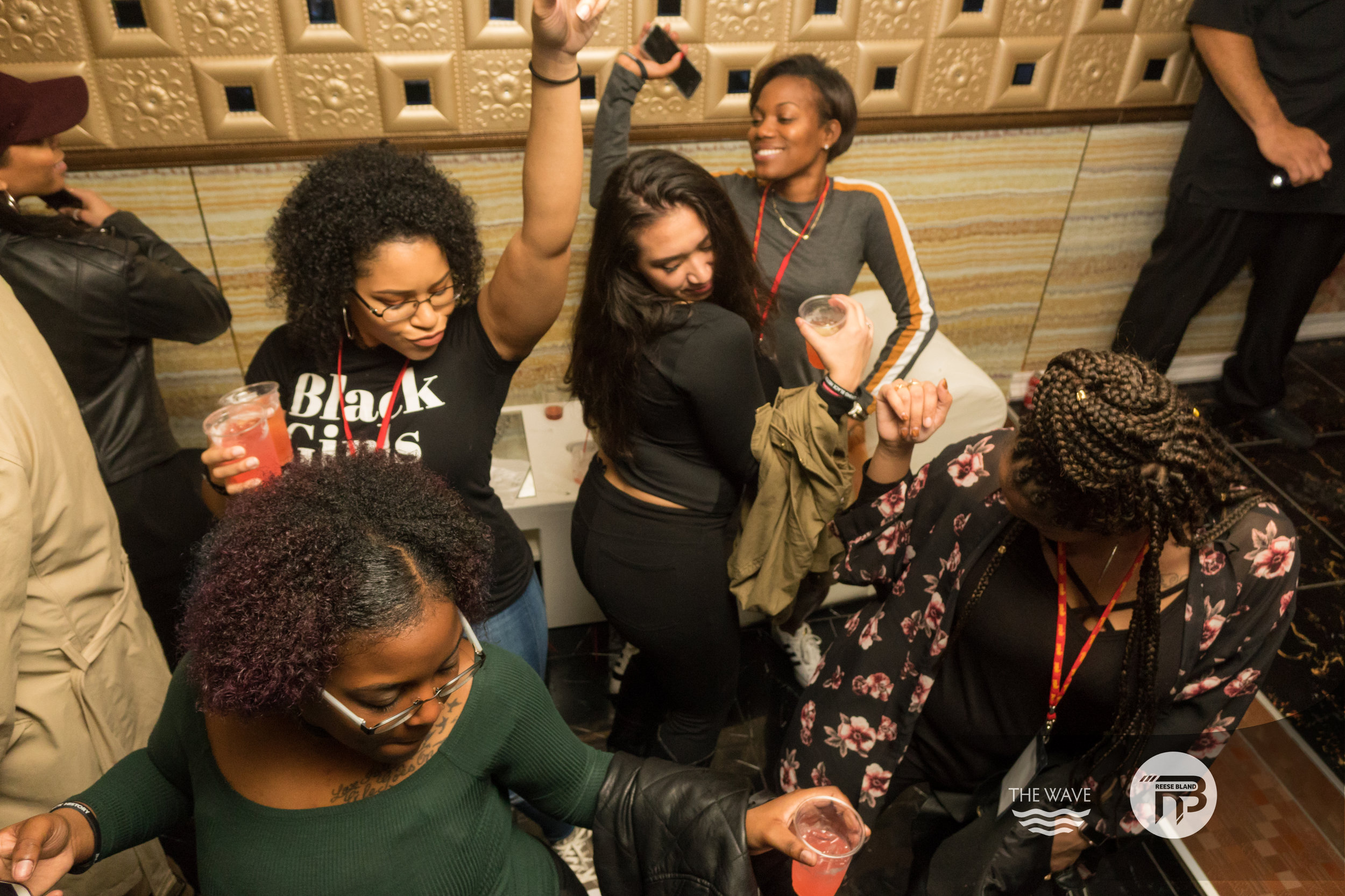 WaveDC-BlackBarCrawl-2-2018-06987.jpg