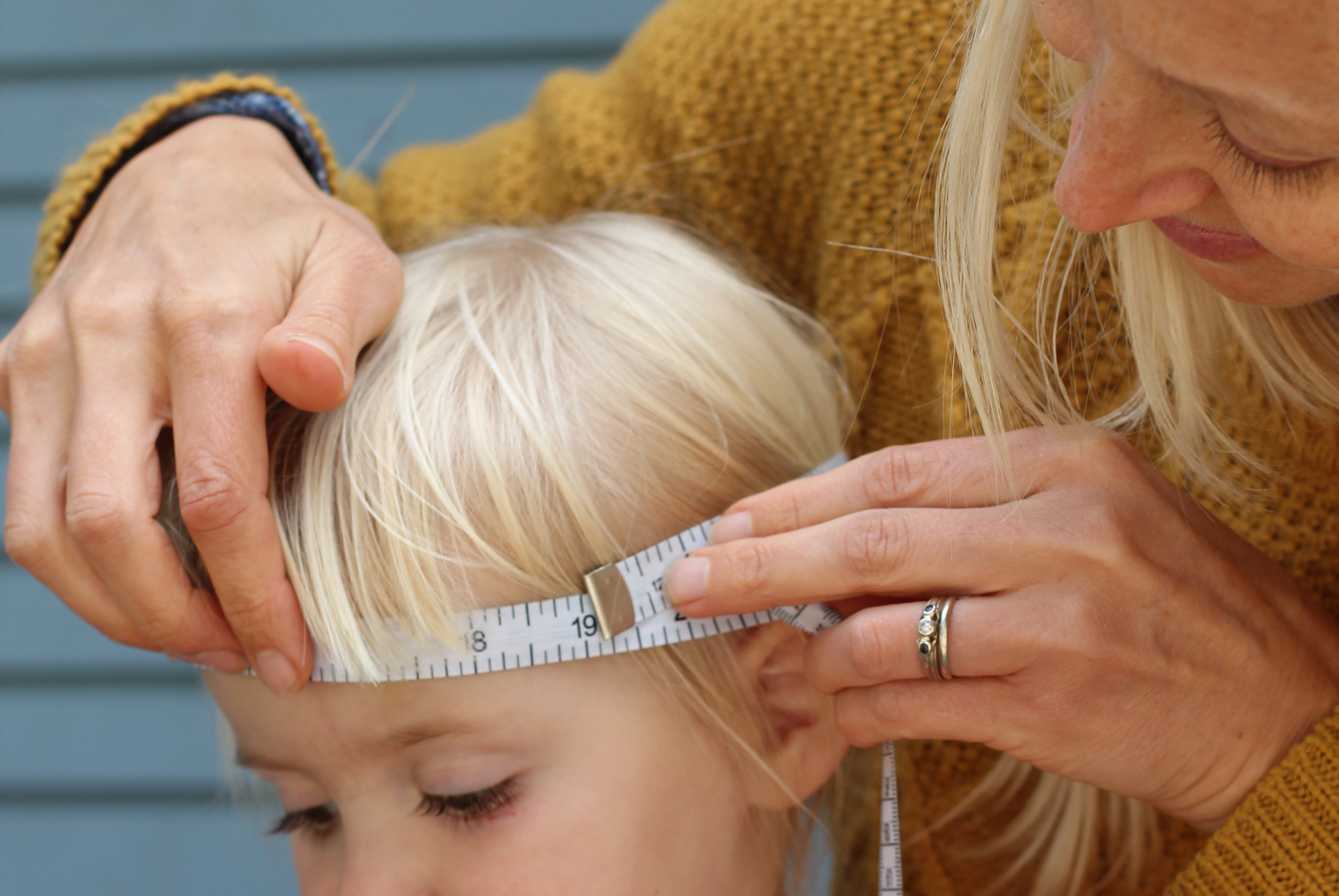 measuring a head