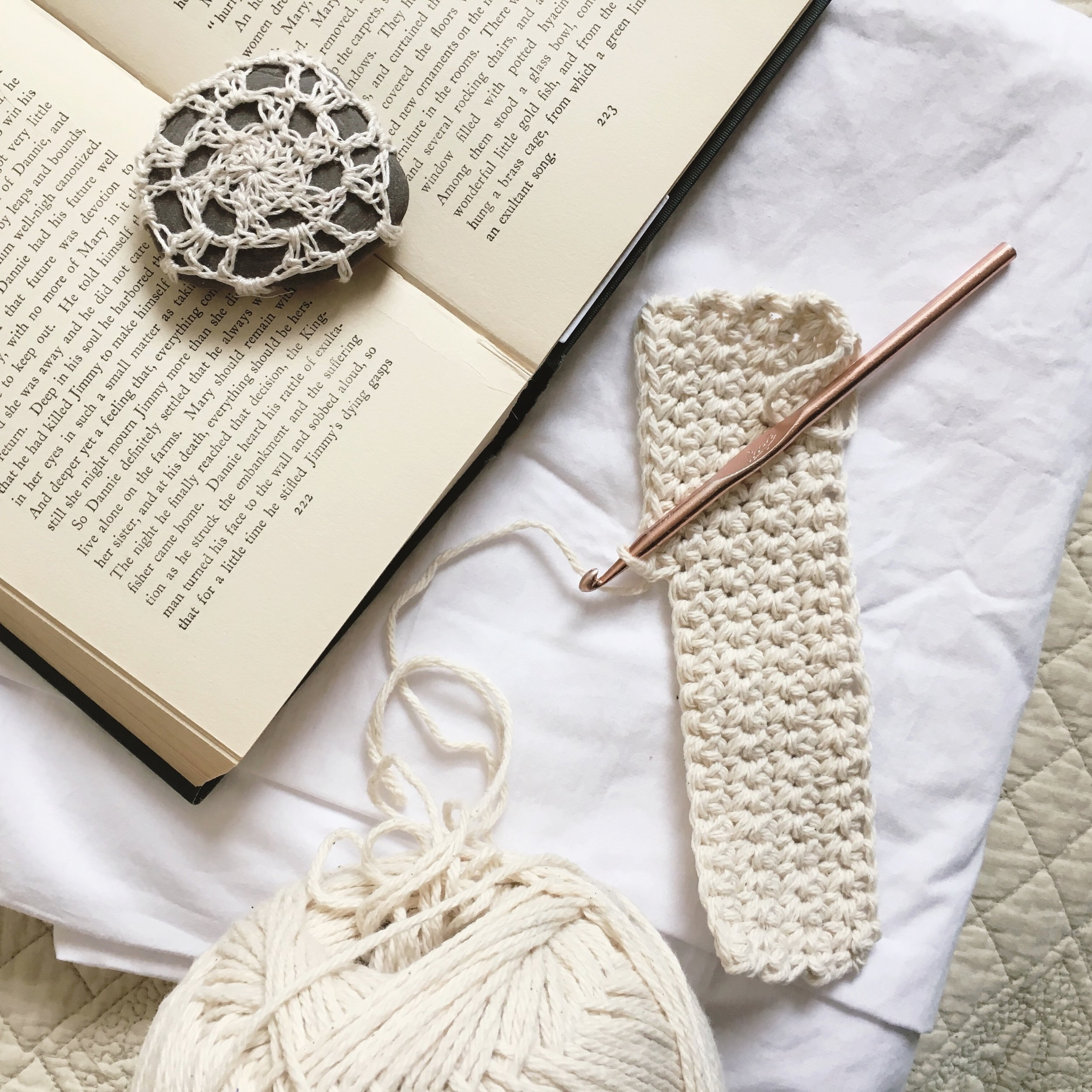 How to Single Crochet, Crochet Lessons by Blue Corduroy