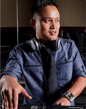 DJ Ollie photog.jpg
