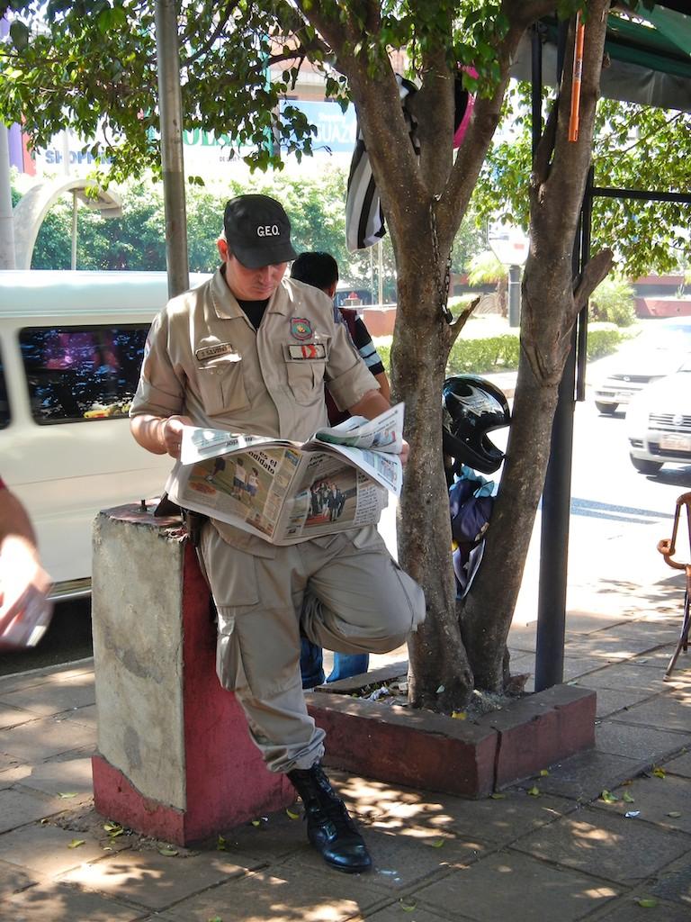 Quidad del Este street scene #7, Paraguay, 17 Apr 2012