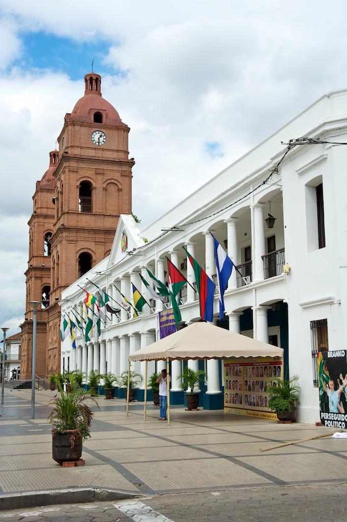 Street scene #5l, Santa Cruz, Bolivia, 23 Apr 2012