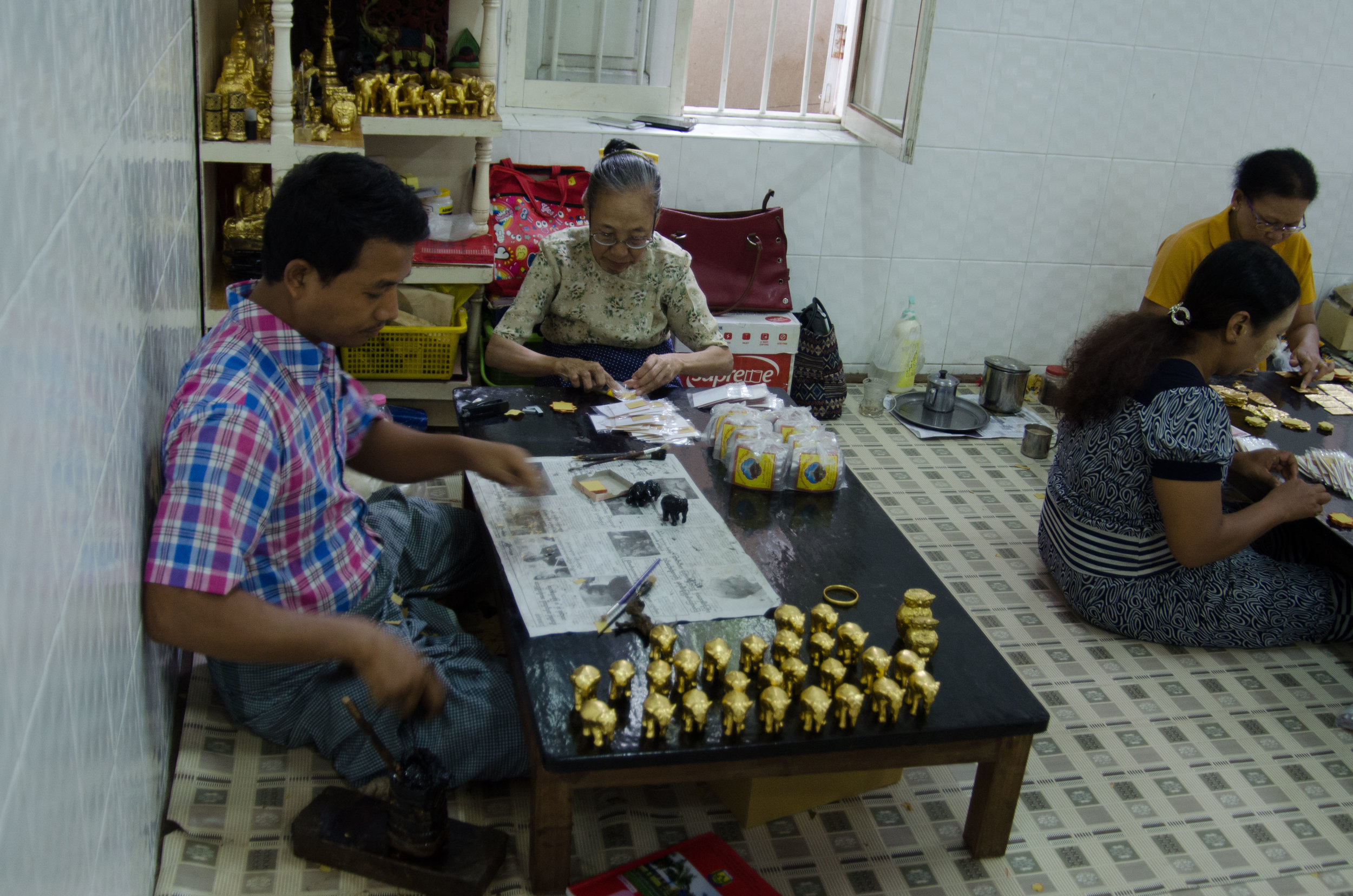 Preparing gold leaf elephants 001, Mandalay, Myanmar, 17 NOv 2017.jpg