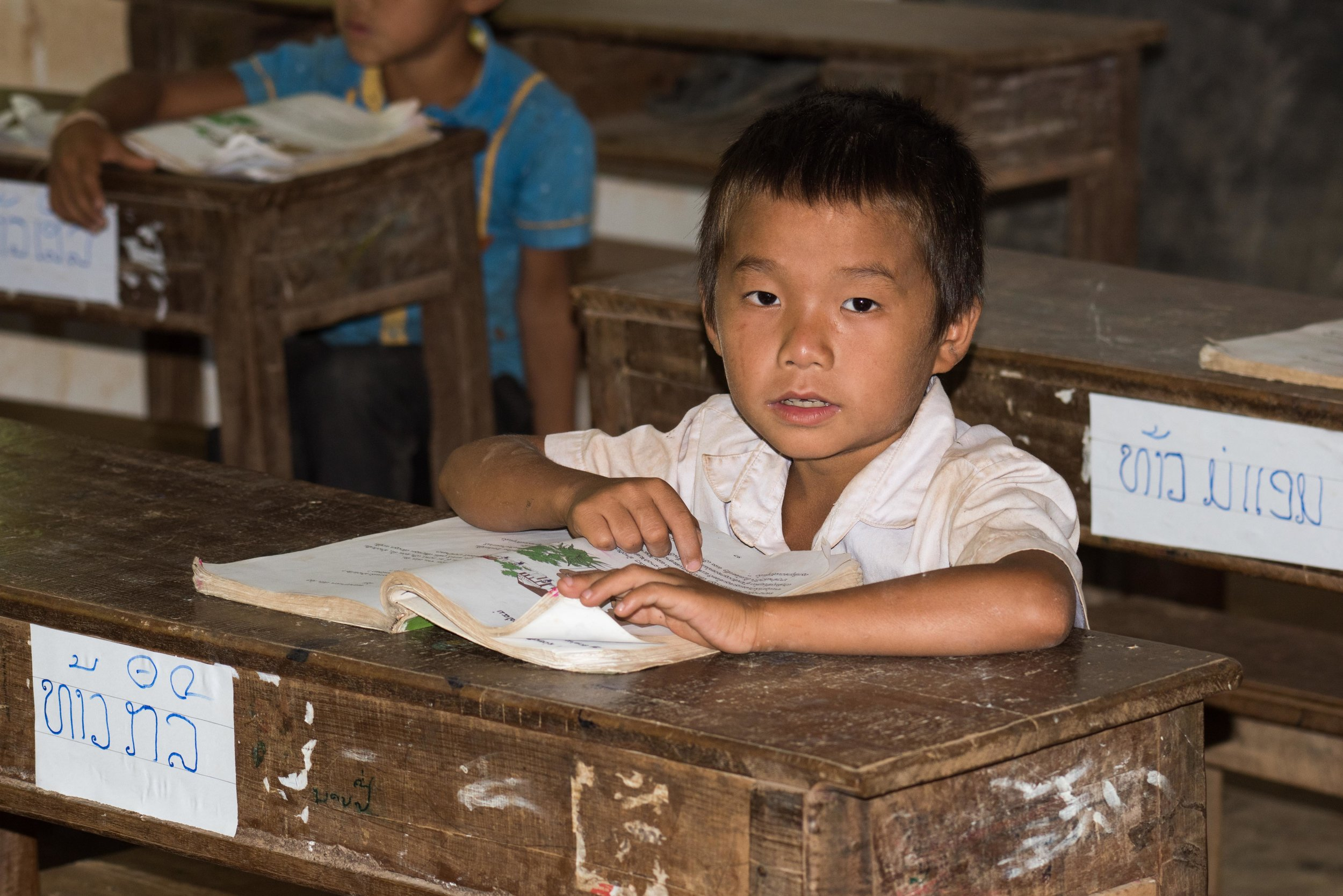 School child, on route to Than Phu Kham, Vang Vieng, Laos, 29 Nov 2017-3.jpg