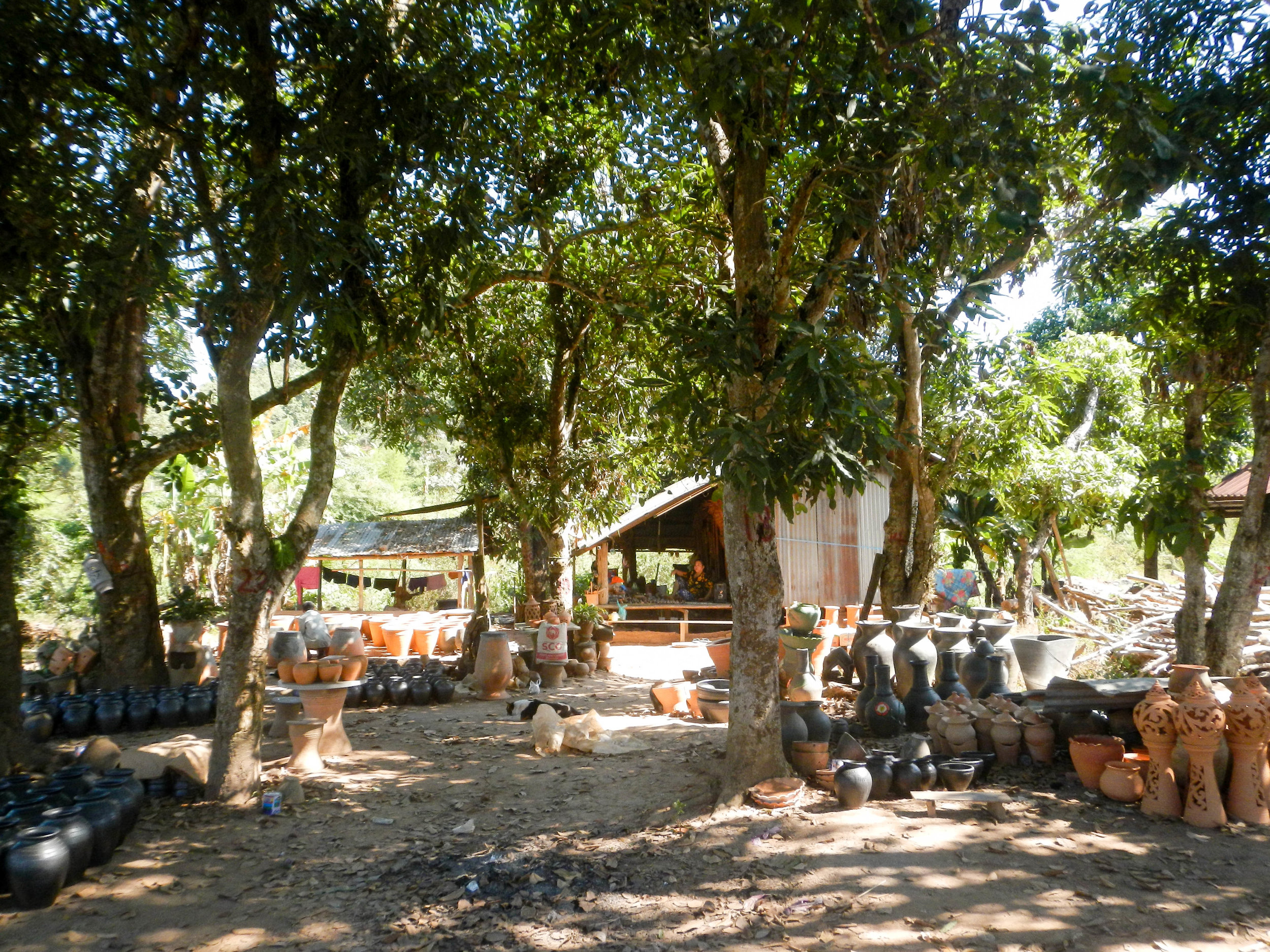 Pottery village, Ban Chaneneua, 3 Dec 2017.jpg