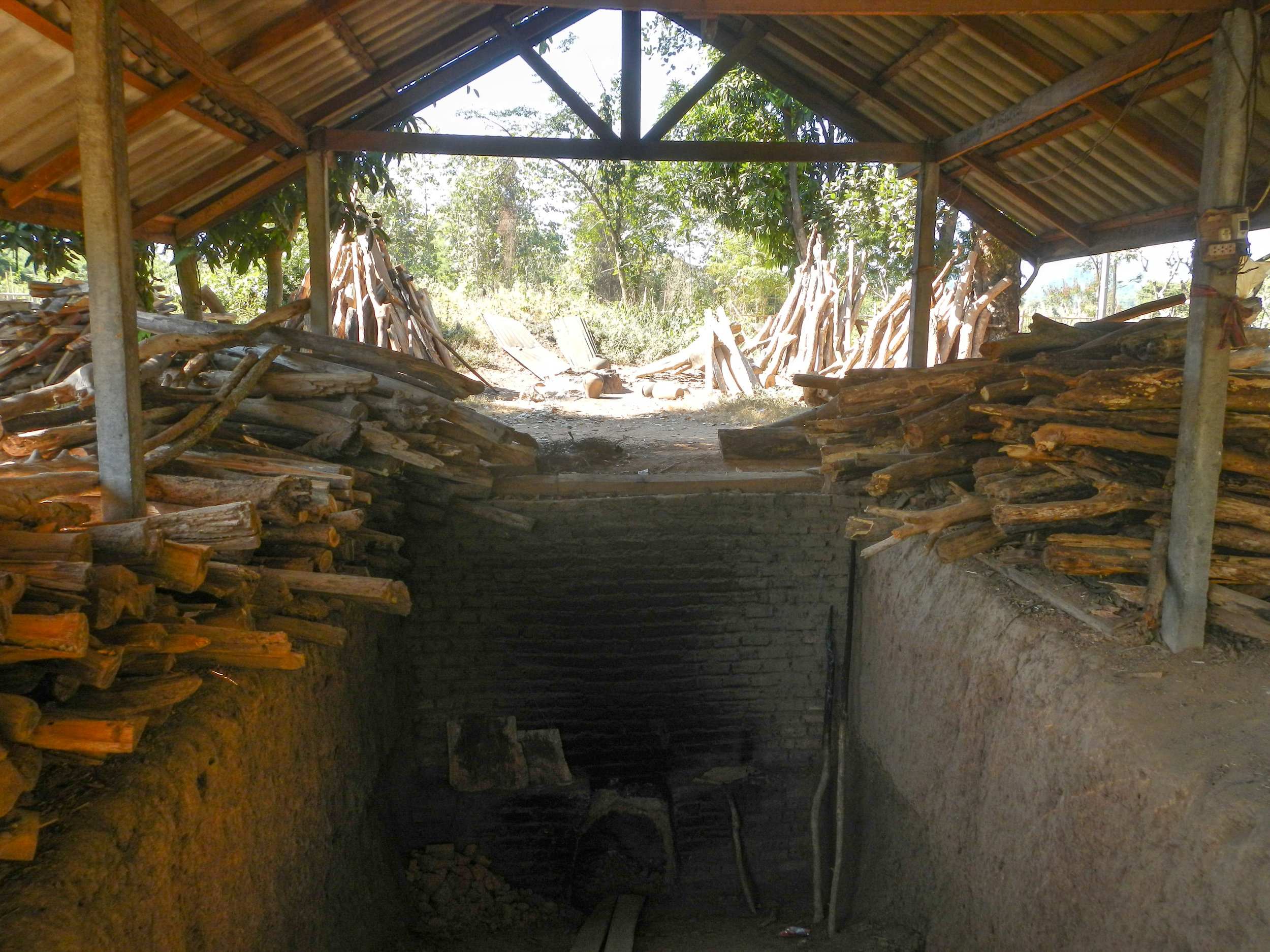 Kiln, Pottery village, Ban Chaneneua, 3 Dec 2017-2.jpg