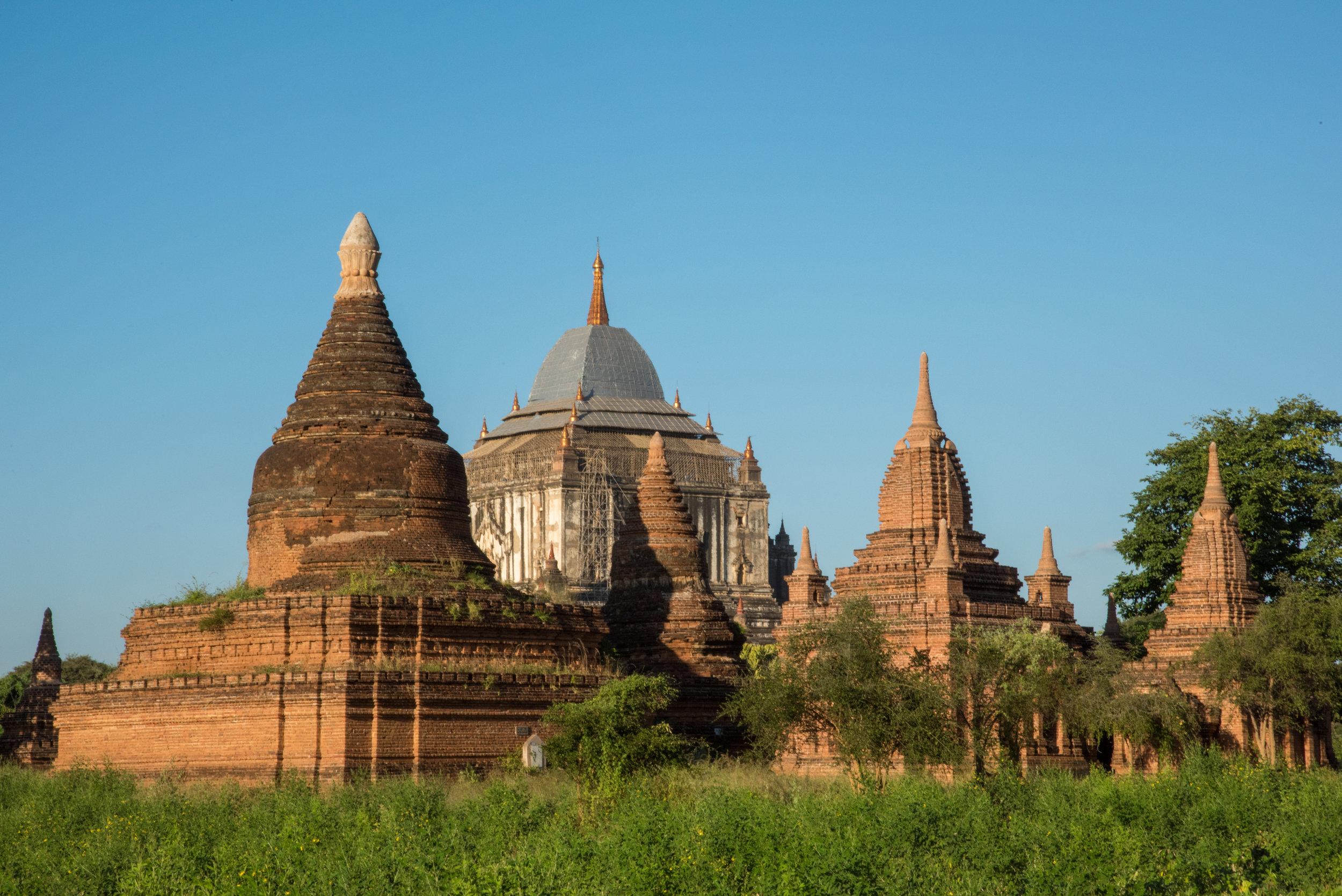 Sin Myar Shin Pagoda and Pa Tha Da Temple, Bagan, Myanmar
