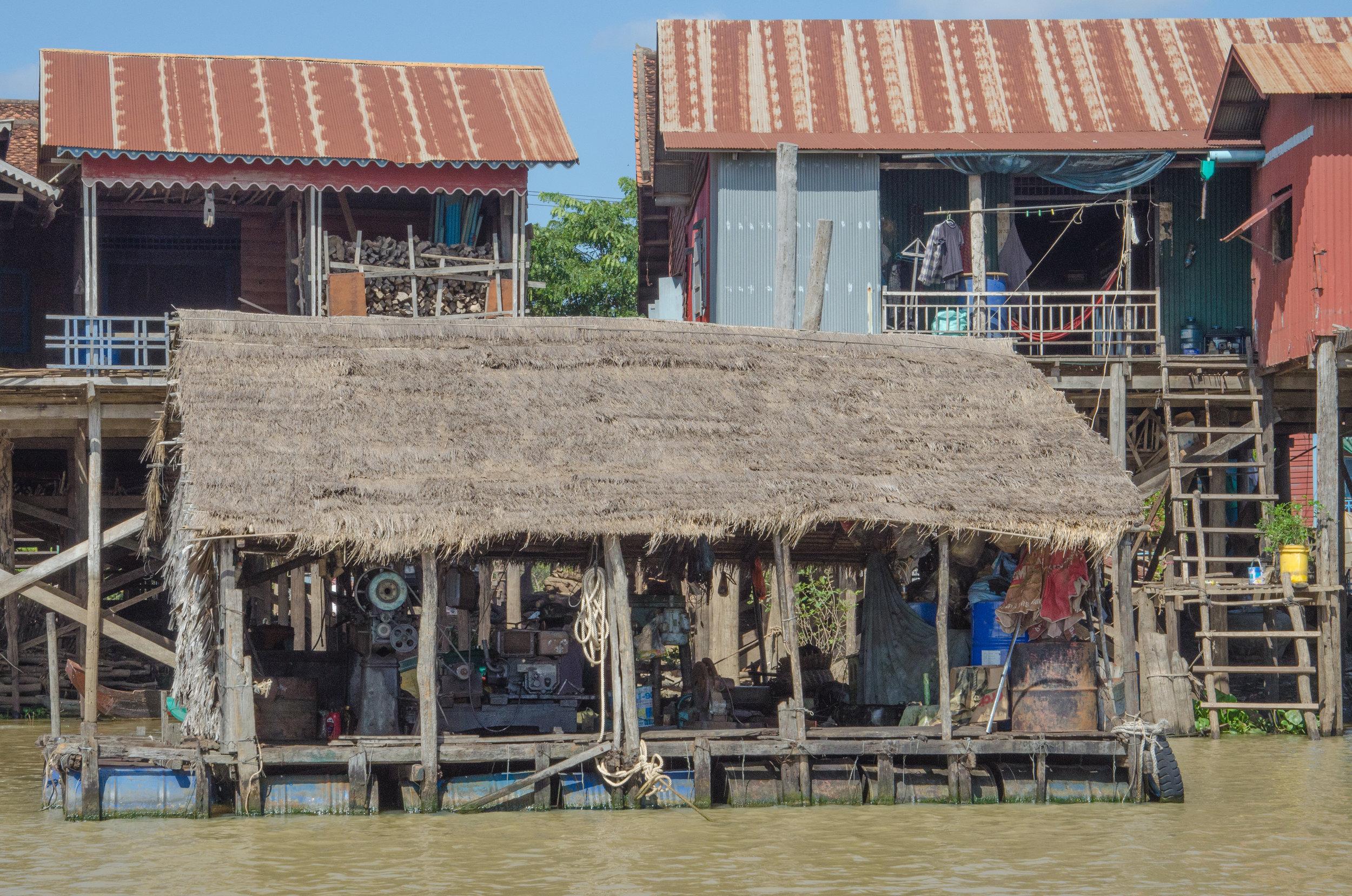 099 - Petrol station, Kompong Khleang village, en route to Tonle Sap Lake, Cambodia, 6 Dec 2017.jpg