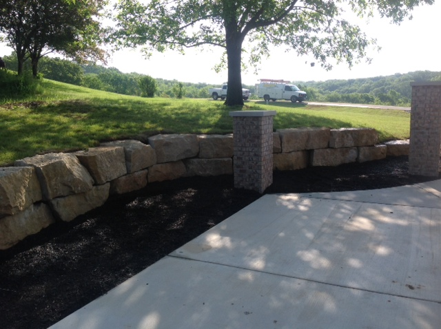 natural-stone-hackmann-landscaping.JPG