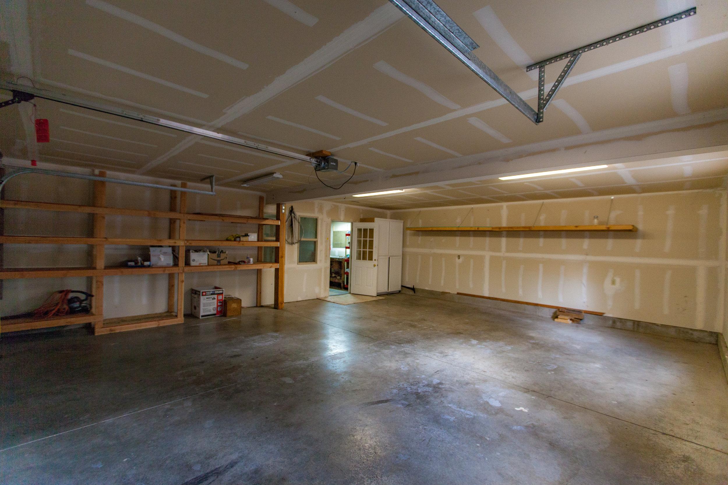 Garage Bay 1 View 2.jpg
