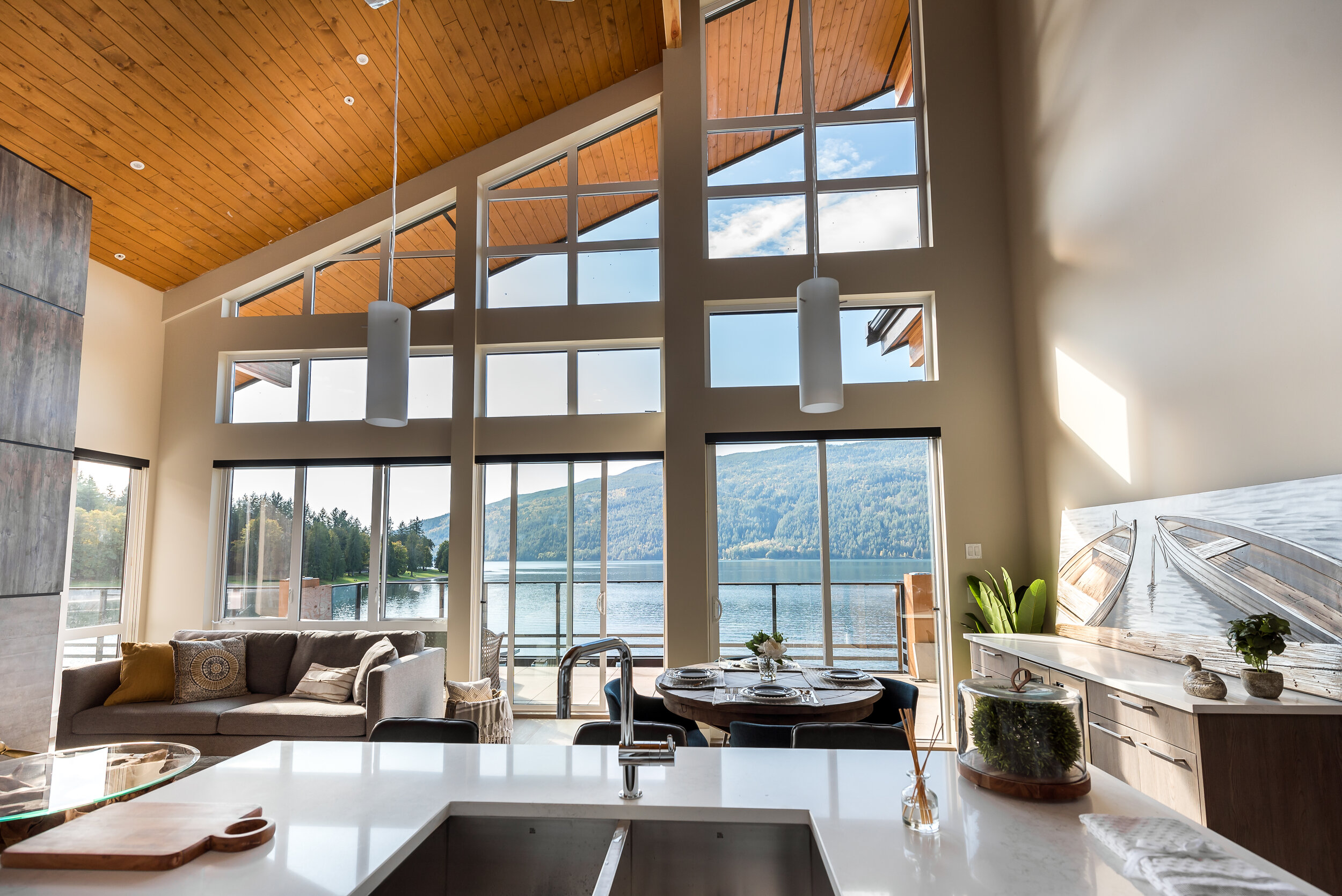 WINDOWS THAT ENHANCE THE VIEW