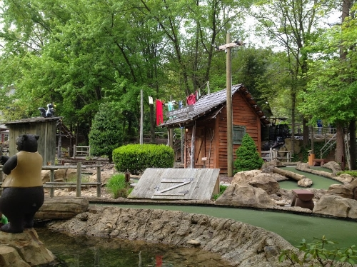 gatlinburg davy crockett putt-putt