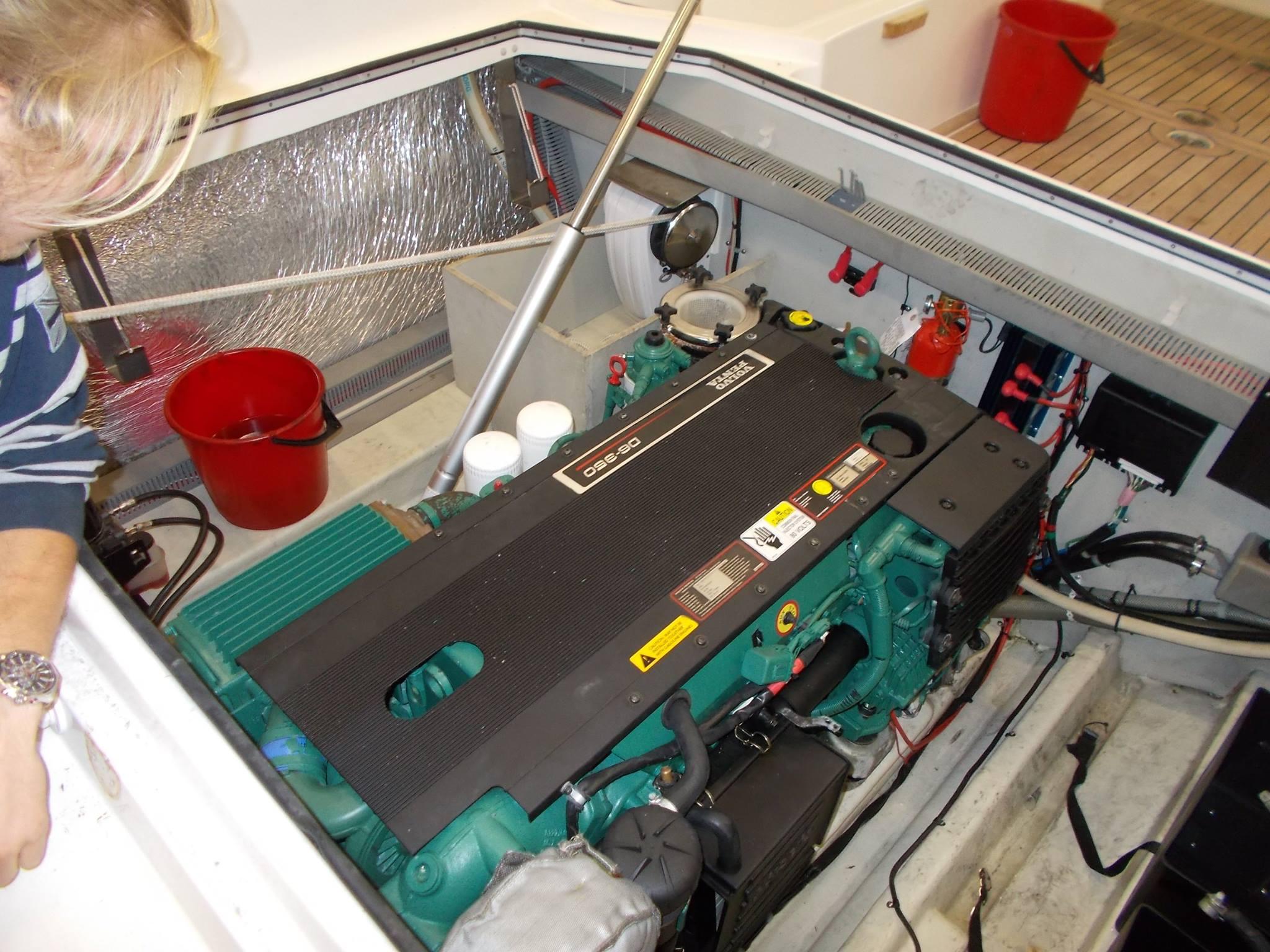 BÅTMOTOR SERVICE - Vi har lang erfaring med båtmotor. Vi tar service på alle typer motorer (Utenbords og Innenbords)