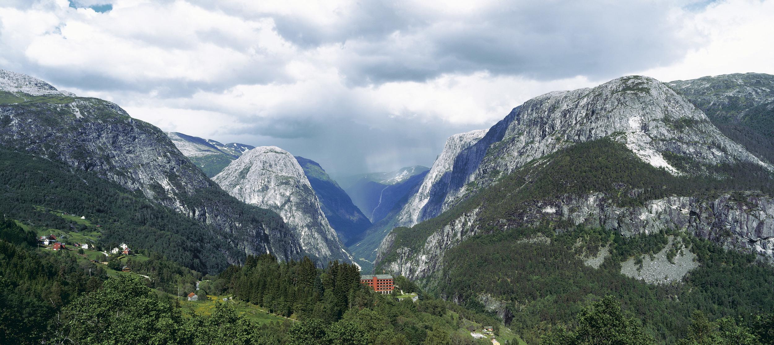 Stalheim Hotel og Nærøydalen - Snorre Aske .jpg