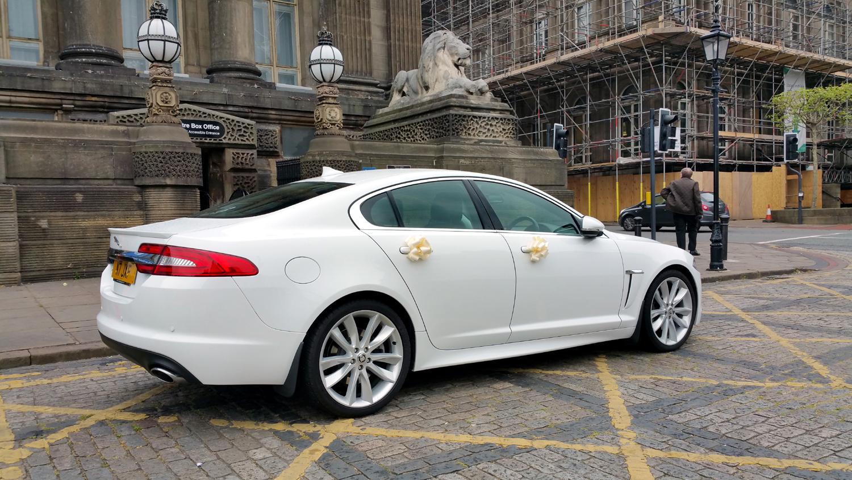 rear-jaguar-xj-wedding-car