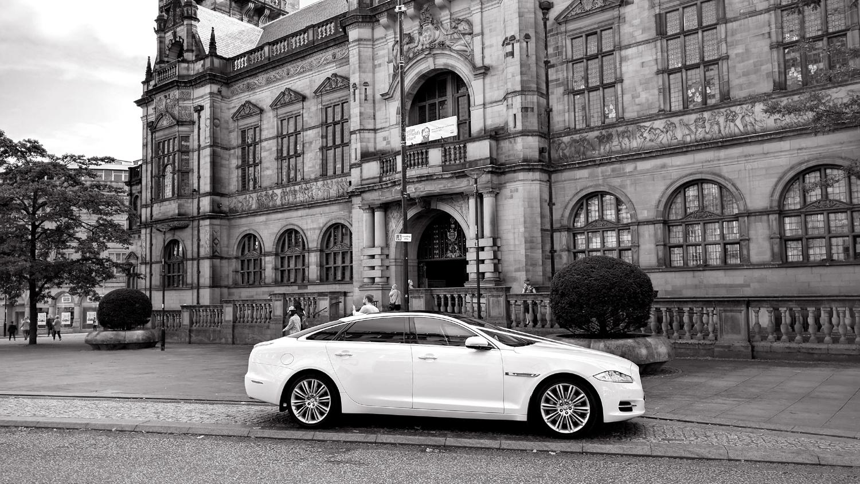 white-wedding-car-sheffield-town-hall.jpg