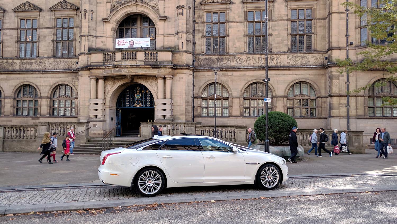large-wedding-car-sheffield-town-hall.jpg