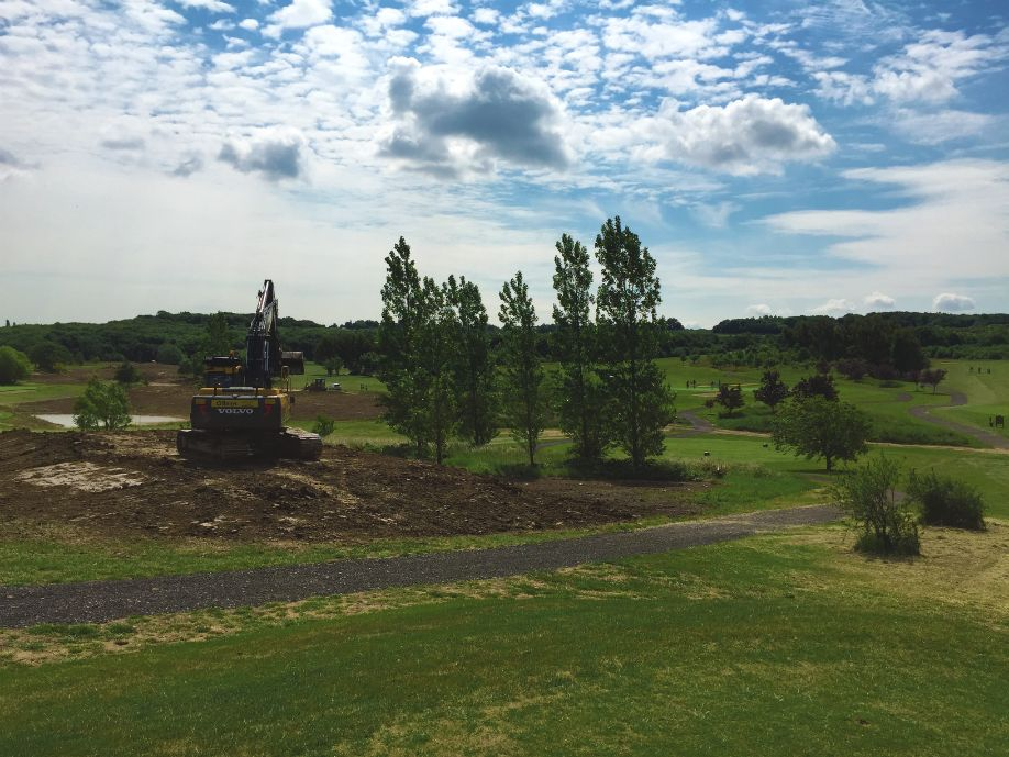 Construction of a new tee to take advantage of the increasingly dramatic surrounds of the 5th hole.