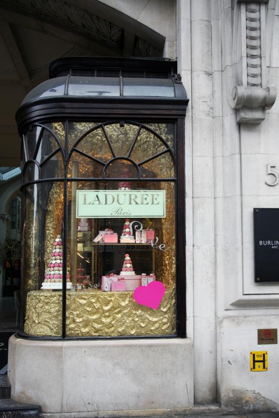 Ladurée - ett måste om man är i London, den här gången fick jag med mig...