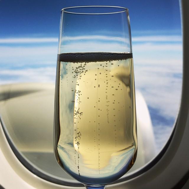 Champagne_and_engine____avgeek.jpg