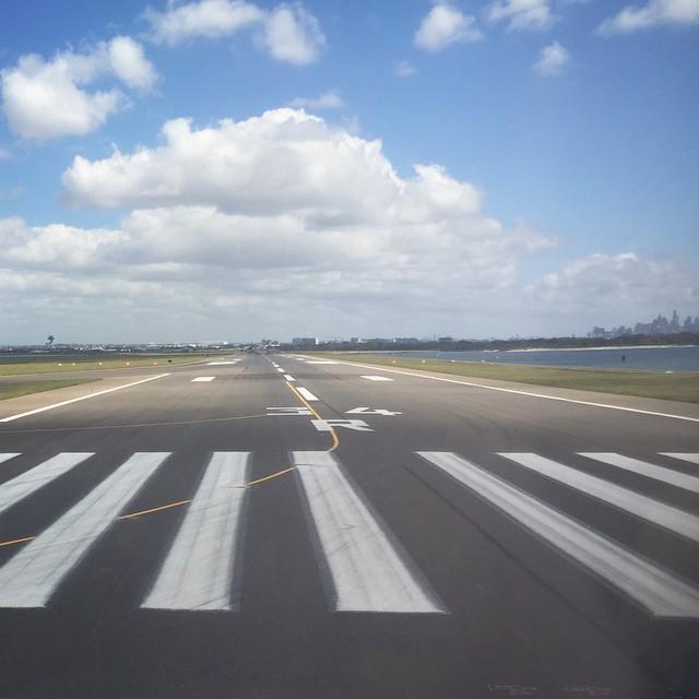 _Sydney_runway____avgeek.jpg