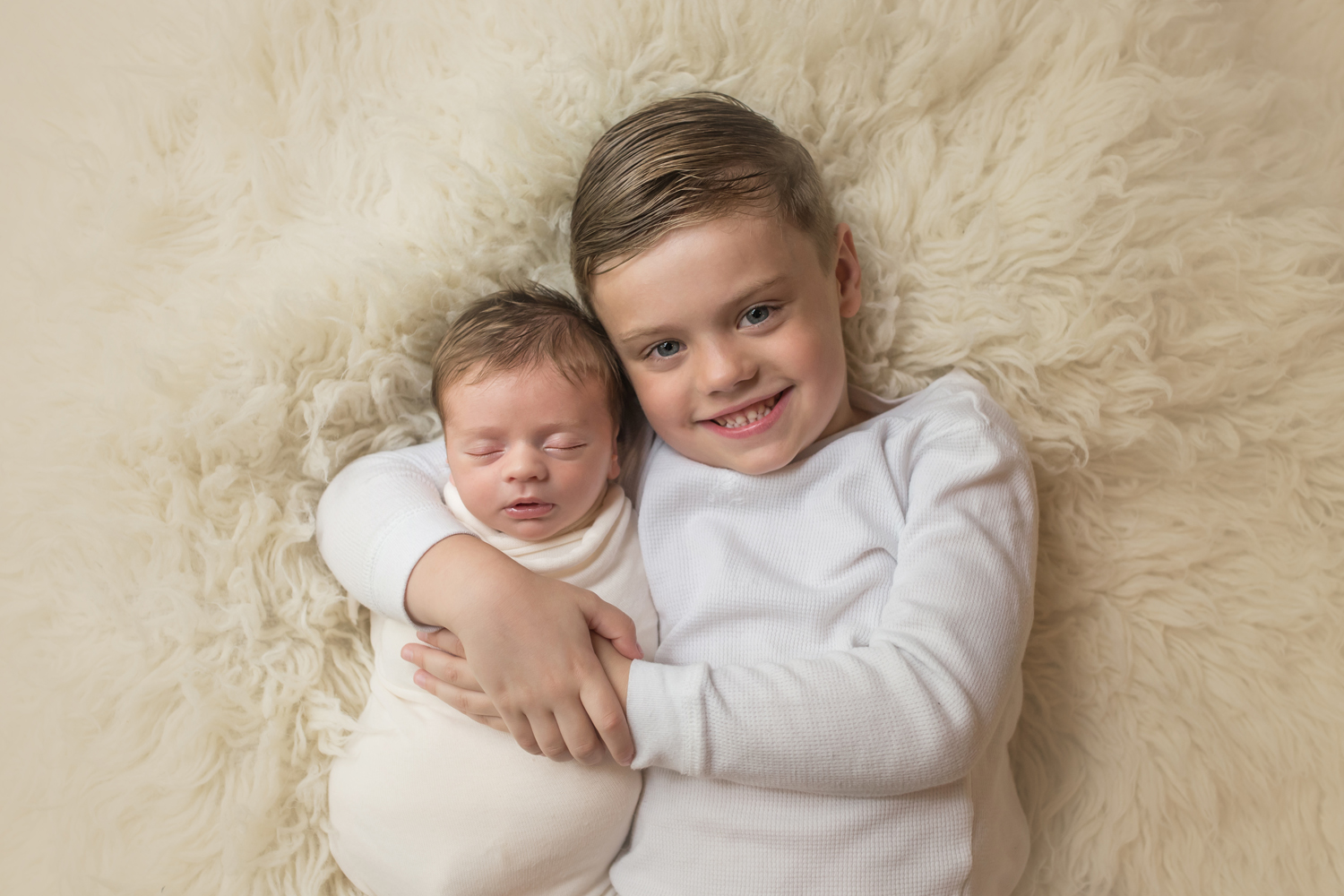 Baltimore Maryland Newborn Baby Photographer siblings brothers