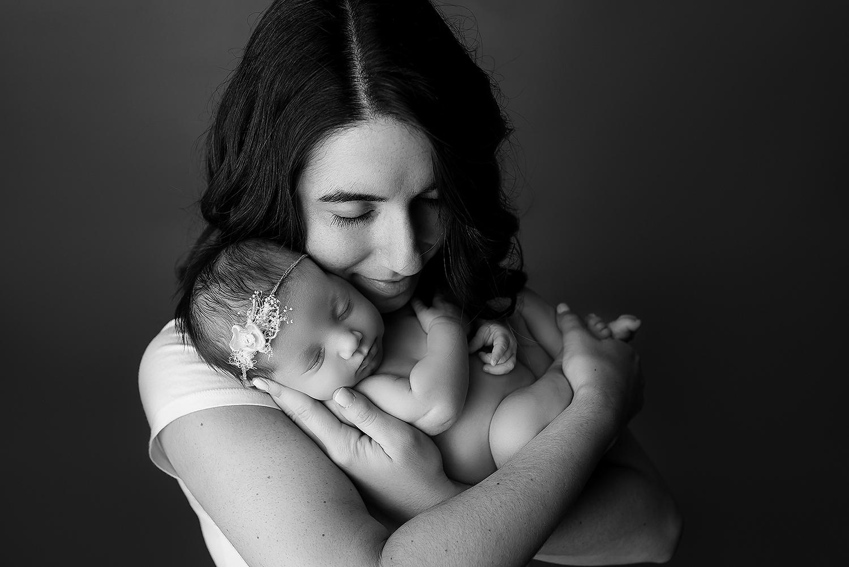 Jessica Fenfert Photography - Kinda - 11-29-17 bw (1).jpg