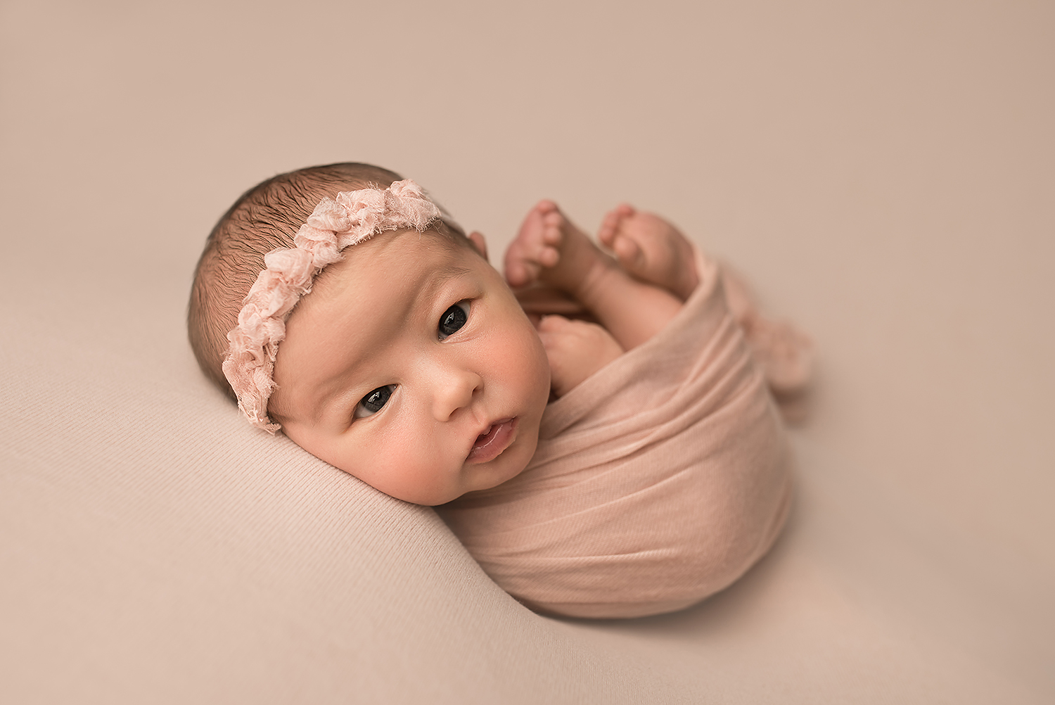 Baltimore Howard County Maryland Newborn Photographer Jessica Fenfert awake baby girl