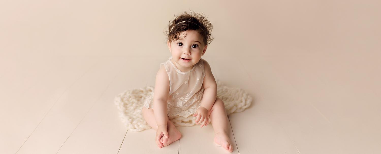 Baltimore Maryland Newborn Photographer Jessica Fenfert girl sitter 6 months