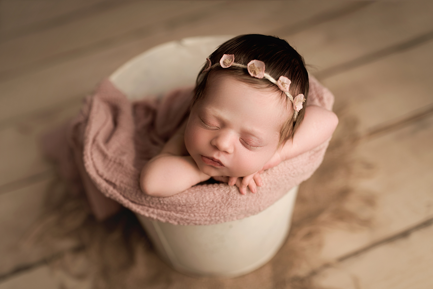 Baltimore Maryland Newborn Photographer Jessica Fenfert baby in bucket