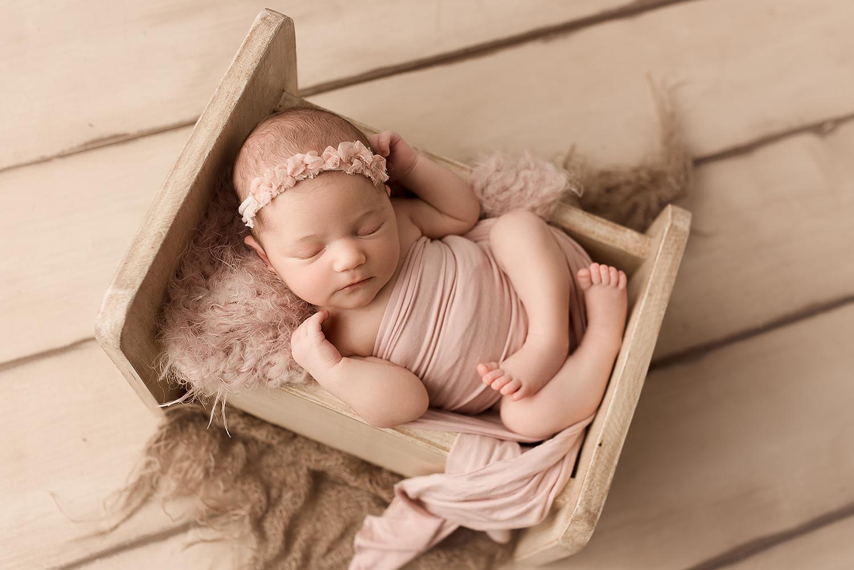 Jessica Fenfert Baltimore Maryland Newborn Photographer