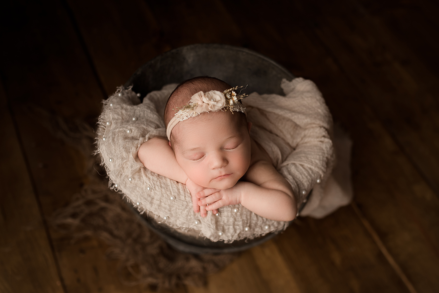 Jessica Fenfert Baltimore Maryland Newborn Photographer bucket