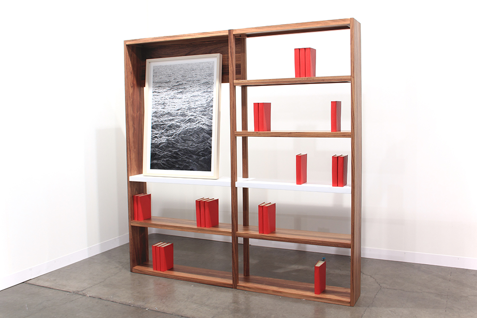 Monumento Melville     /   Melville Monument  , 2012    Madera, libros, dibujo / Wood, books, drawing    200 x 200 x 25 cm