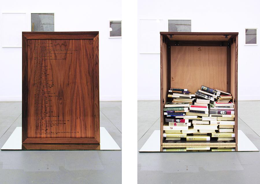 1A Borges books-01red desaturada filtro morado.jpg
