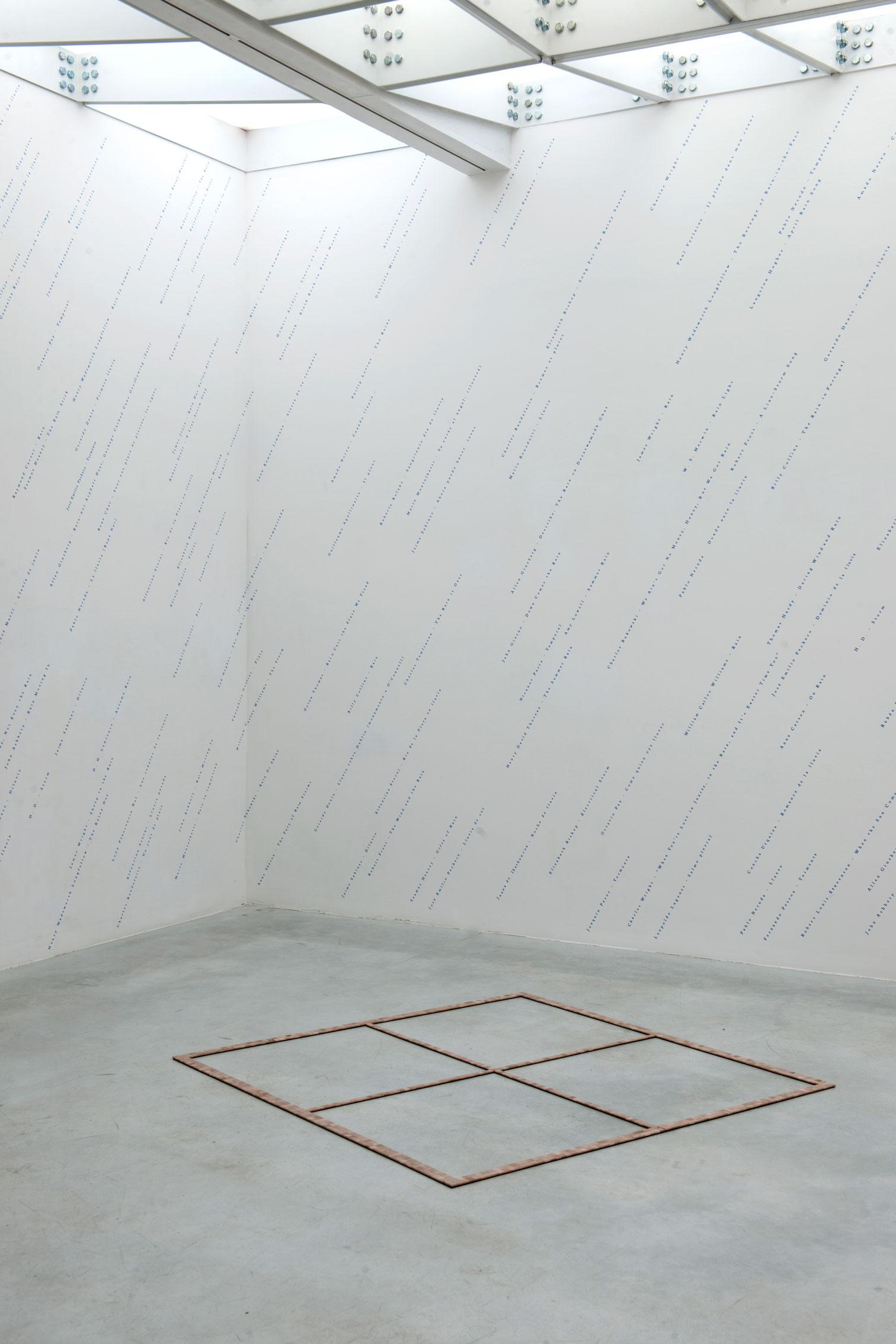 Está lloviendo (una antología)/It's Raining (An Anthology),   2017  Vinil / Vinyl  Dimensiones variables / Dimensions variable  ***    Palabra / Ventana II  /  Word / Window II,   2017  Madera, fichas de scrabble / Wood, scrabble tiles  0,5 x 155 x 155 cm