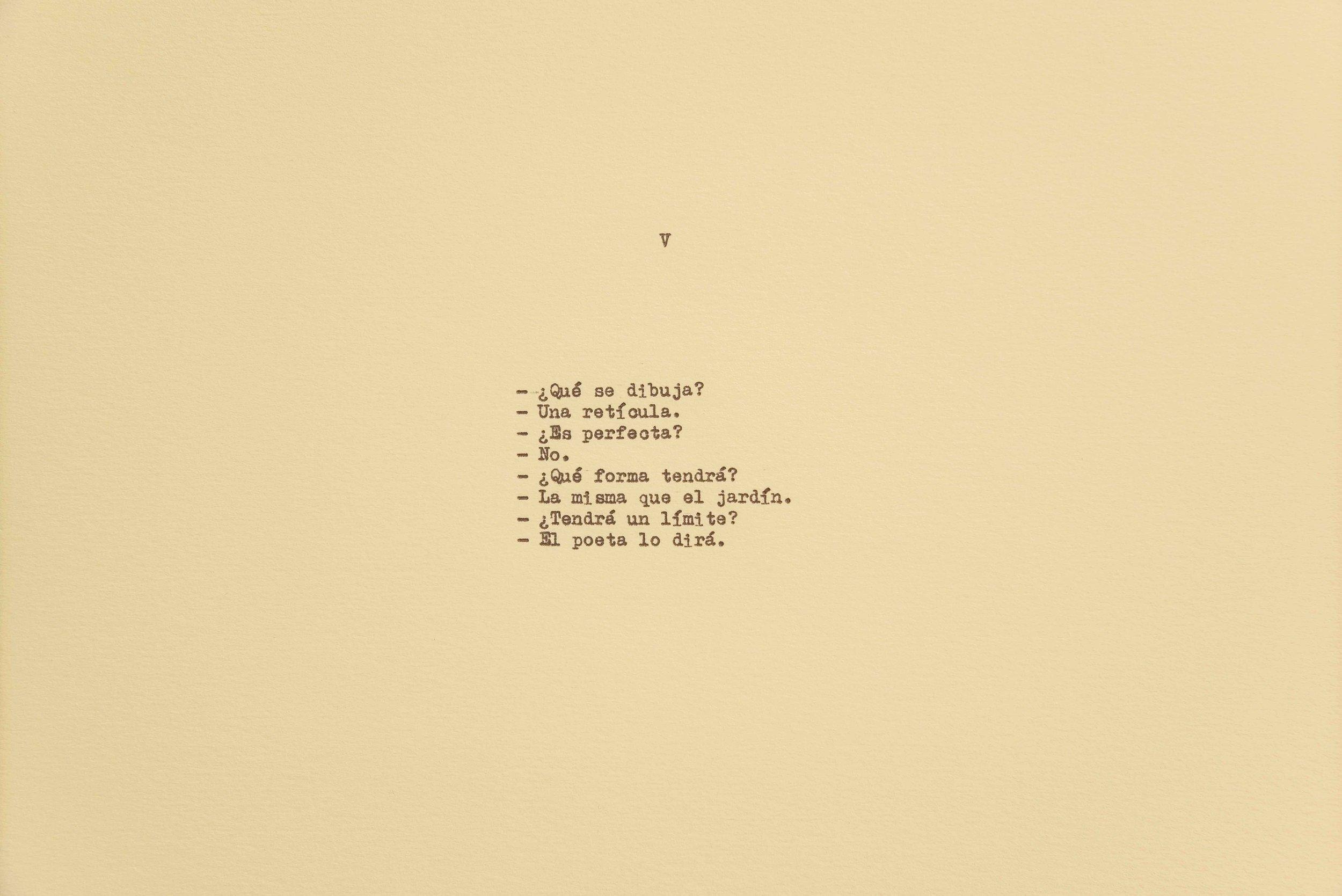 Diálogo sobre un poeta, una manzana y una retícula (Parte uno) I / Dialogue about a Poet, an Apple. and a Grid (Part one) I, 2018  Tinta sobre papel / Ink on paper  Políptico de 10 piezas de 37.5 cm x 27.5 cm / 10 piece polyptych, 37.5 cm x 27.5 cm each  Detalle / Detail      Fotografía: Agustín Arce    Fotografía: Agustín Arce