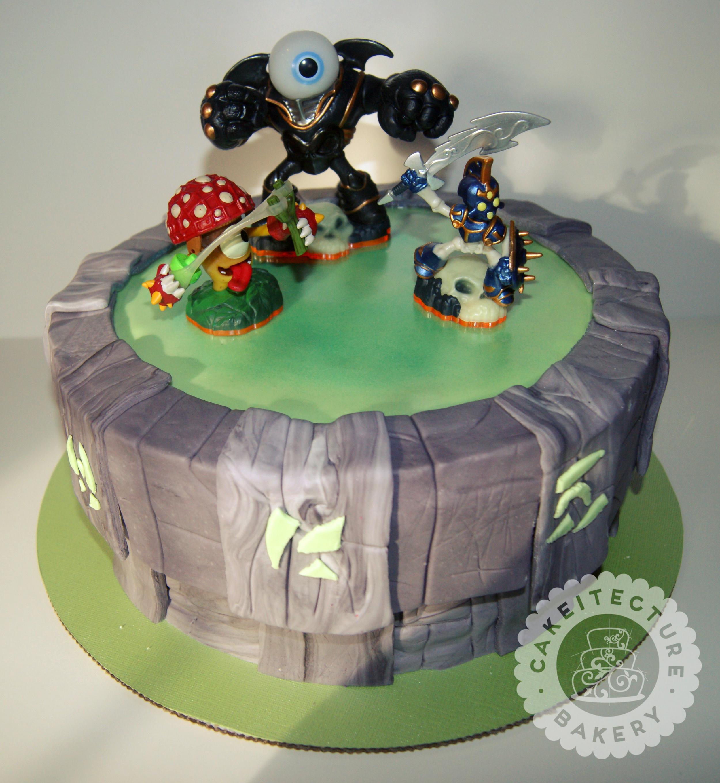 skylanders cake.jpg