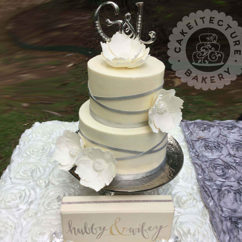 Cakeitecture Bakery 1706 Wedding cake.jpg