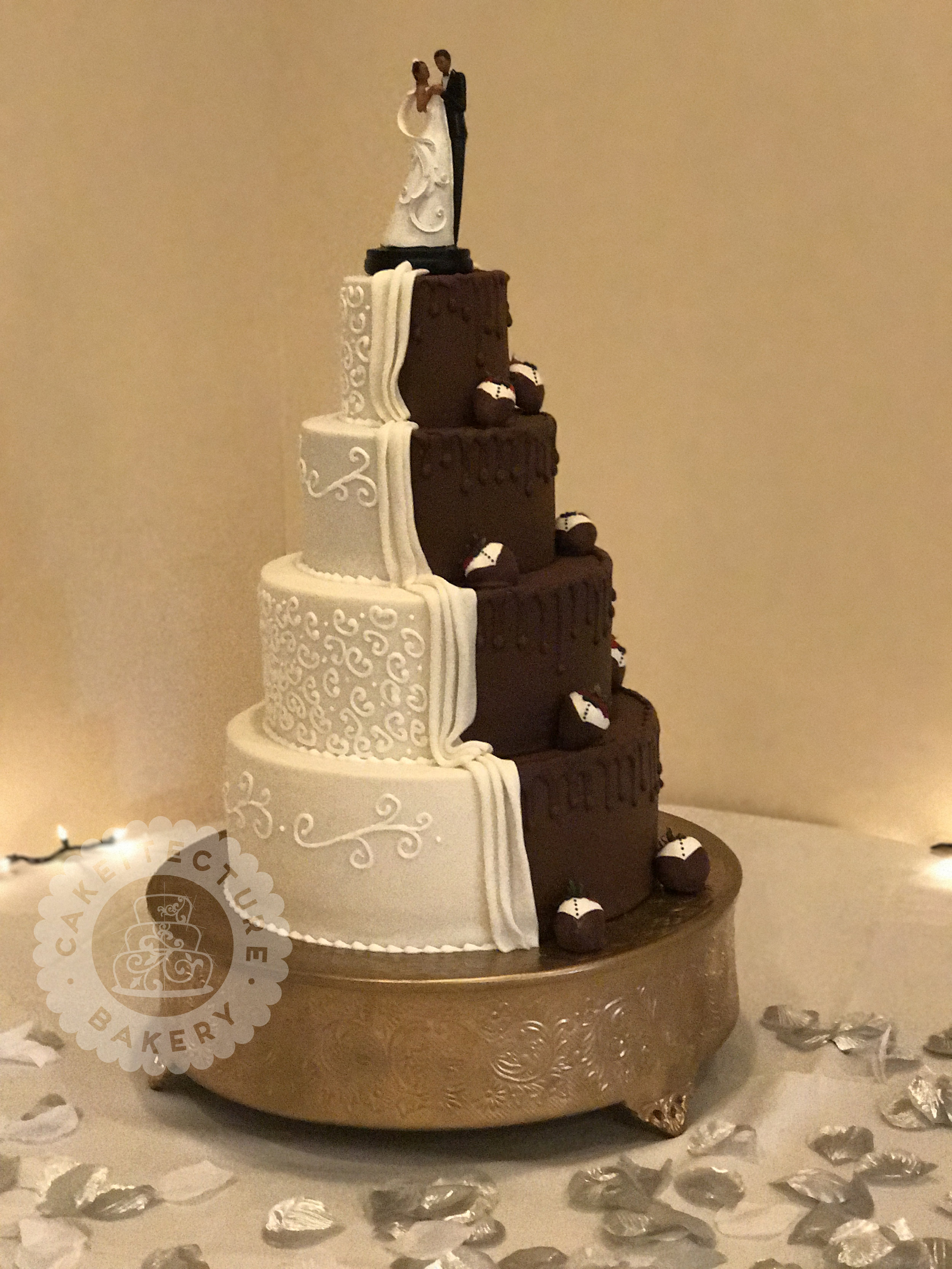 Cakeitecture Bakery 1704 split wedding cake .jpg